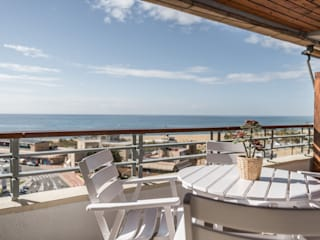 Projekty,  Balkon zaprojektowane przez Silvia R. Mallafré,