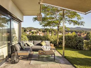 Jardins modernos por Silvia R. Mallafré Moderno