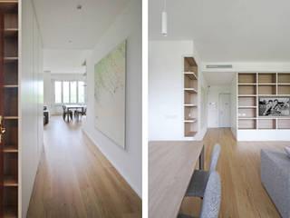 JFD - Juri Favilli Design Minimalistyczny korytarz, przedpokój i schody Beżowy