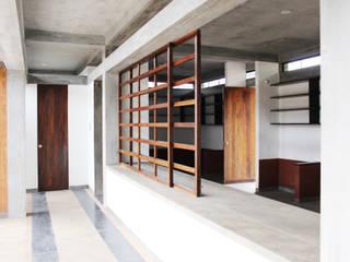 :  Corridor & hallway by imago architecture+design,