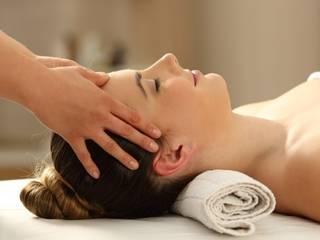 Female to Male Body to Body Massage in Malviya Nagar Delhi by Amrita Spa Country