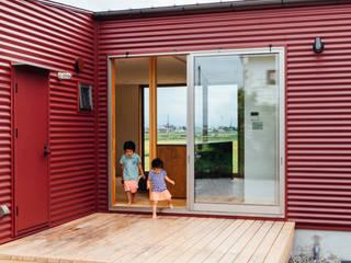 湖南の家: a.un 建築設計事務所が手掛けたテラス・ベランダです。,