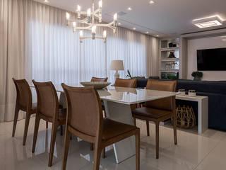 Livings modernos: Ideas, imágenes y decoración de Espaço do Traço arquitetura Moderno