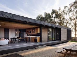 Houses by AFARQ Arquitectos, Minimalist