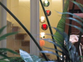 Apartment in Barcelona:  Zen-tuin door Lily Orlova, Modern