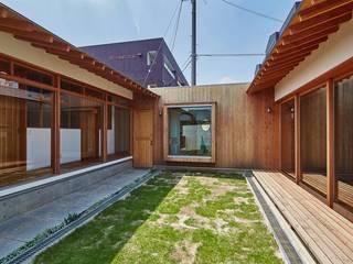 家具屋さんの住宅 アジア風 庭 の CO2WORKS 和風