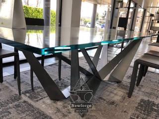 Обеденный стол: Красивое подстолье из металла для обеденного стола на заказ в Москве:  в . Автор – Производственная мастерская Newforge ,