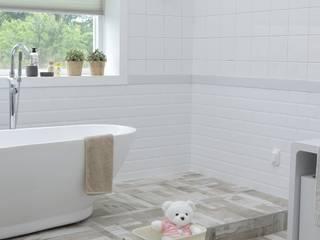 Baños modernos de Agua Potable Moderno