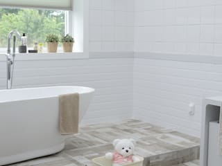 Modern Bathroom by Agua Potable Modern