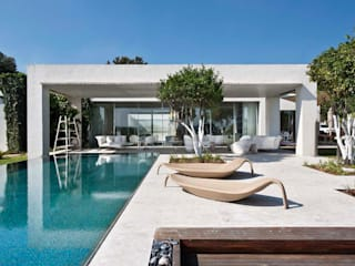 Mit der Natur verbunden..... Moderne Pools von Paul Marie Creation Garden Design & Swimmingpools Modern