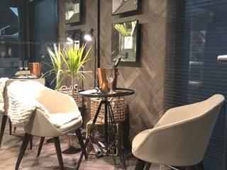TINY HOUSE Comedores de estilo moderno de SUMATORIA Moderno