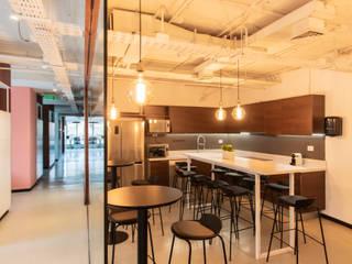 Oficinas Patrimonio Inmobiliario Comedores de estilo moderno de SUMATORIA Moderno