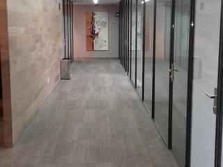 Ortiz Construcciones y Remodelacion Integral Ruang Studi/Kantor Modern Aluminium/Seng Multicolored