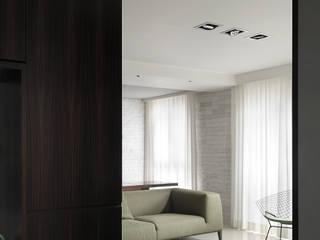 Pasillos y vestíbulos de estilo  de 形構設計 Morpho-Design, Moderno