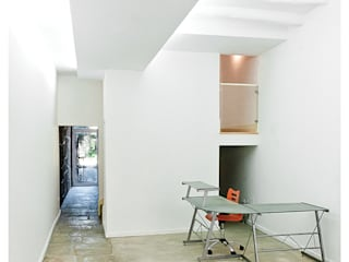 Sabiamente Centro de Estudos: Escritórios e Espaços de trabalho  por Ren Ito Arquiteto,Mediterrânico