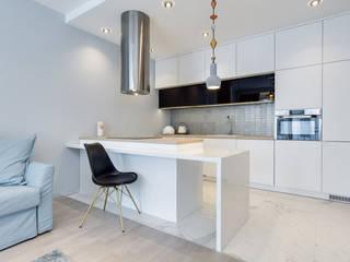 Lux Interiors - projektowanie i aranżacja wnętrz Gdańsk, Gdynia, Sopot ห้องครัว