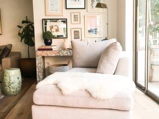 Ruang Keluarga Modern Oleh Casa Nómade Modern