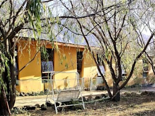 Brassea Mancilla Arquitectos, Santiago Casa passiva Legno Giallo