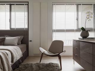 Dormitorios modernos de 形構設計 Morpho-Design Moderno