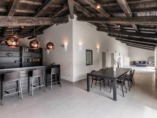 HOME STAGING IN VILLA RISTRUTTURATA A MONTALETTO DI CERVIA (RA) Mirna Casadei Home Staging Soggiorno moderno