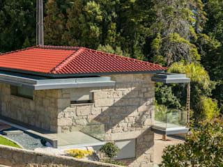 Hipped roof by BMI Portugal, Classic