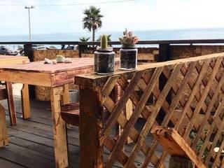 Jardin vertical para La buena Ola de Frescologia Rústico