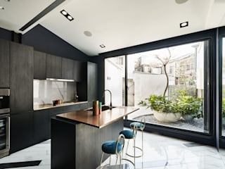 理絲室內設計有限公司 Ris Interior Design Co., Ltd. Muebles de cocinas Contrachapado Negro