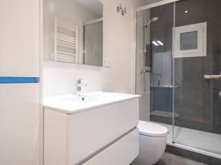 Bathroom by Grupo Inventia