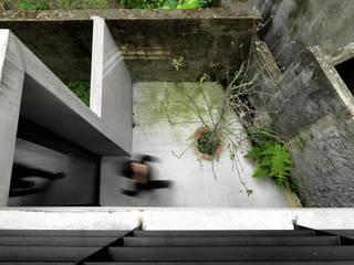 木耳生活藝術 Modern balcony, veranda & terrace Concrete