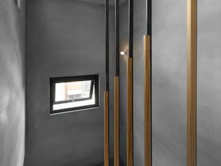 Moderner Flur, Diele & Treppenhaus von 木耳生活藝術 Modern Massivholz Mehrfarbig