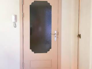 그리다집 Modern style doors Wood Pink