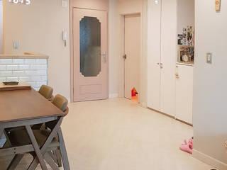 Ruang Keluarga Modern Oleh 그리다집 Modern