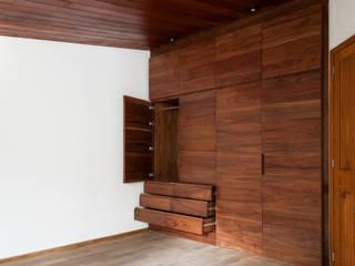Moderne Ankleidezimmer von Maquiladora de Muebles Modern