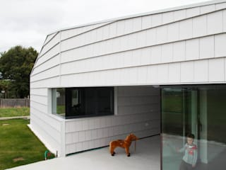 Atap gable oleh BMI Portugal, Modern