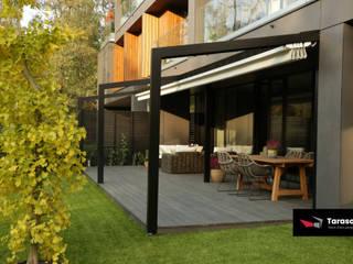 Minimalist balcony, veranda & terrace by TARASOLA - more than pergola Minimalist