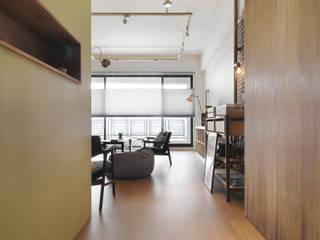 Ruang Keluarga Modern Oleh 木耳生活藝術 Modern