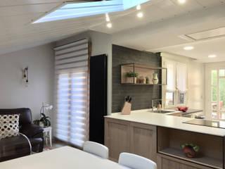 Reforma integral salón, hall y cocina: Cocinas de estilo  de MOLADECO INTERIORISMO, Ecléctico