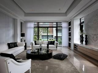 Paredes y pisos de estilo clásico de 大桓設計顧問有限公司 Clásico