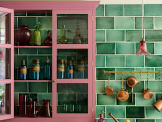 The Bond Street Classic Showroom by deVOL deVOL Kitchens Eclectic style kitchen Solid Wood Pink