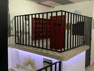 G._ALARQ + TAGA Arquitectos Korytarz, hol i schodyOświetlenie