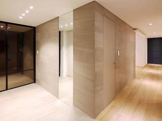 용인시 중앙하이츠빌아파트 인테리어 리모델링: studio FOAM의  복도 & 현관