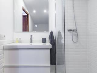 Fiol arquitectes 地中海スタイルの お風呂・バスルーム