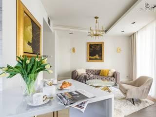 Apartament pod Wawelem Klasyczny salon od Perihdesign Studio Projektowe Karolina Perih-Kamecka Klasyczny