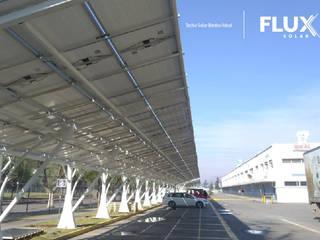Planta Bimbo - Ideal 2,2MWp: Bodegas de estilo  por Flux Solar SpA, Industrial