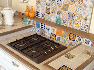 Mobili a Colori Built-in kitchens Tiles Multicolored