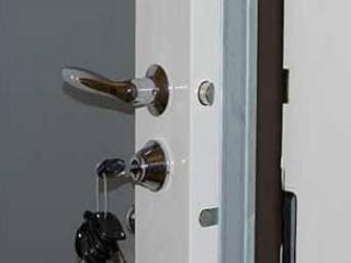: modern  door  SERRURIER PARIS, Modern