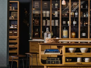 The Bond Street Haberdashery by deVOL Dapur Klasik Oleh deVOL Kitchens Klasik
