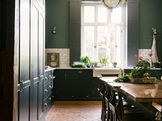 The Victorian Rectory by deVOL Cocinas de estilo clásico de deVOL Kitchens Clásico