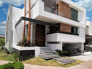 CESAR SOLORZANO ARQUITECTOS Single family home Iron/Steel White