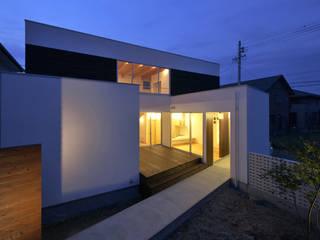 Minimalist houses by 岩井文彦建築研究所 Minimalist